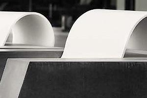 Udendørs betonmøbler
