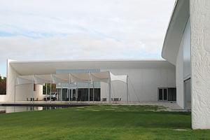 Betonvægge med spil ved heart museum