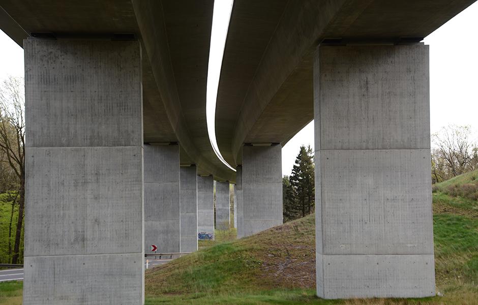 Motorvejsbro