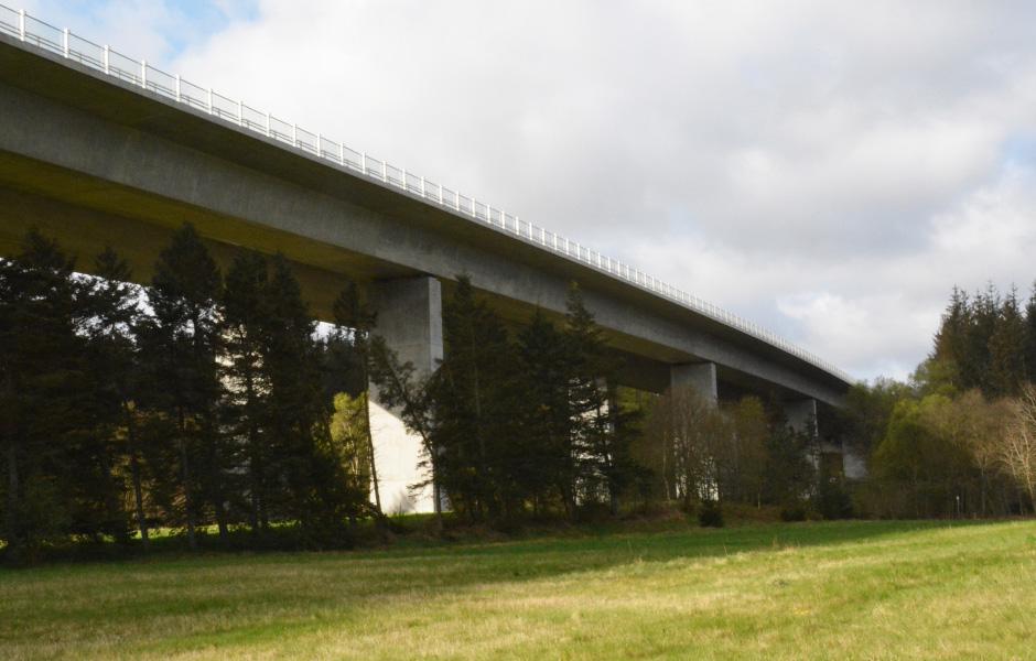 Bro i Funderådal