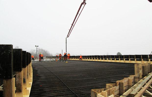 Pumpning af færdigbeton til bro