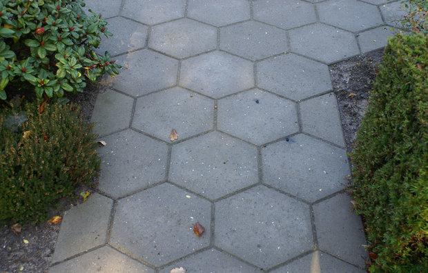 Sekskantede fliser i grå