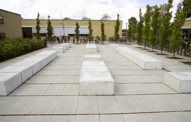 betonfliser og betonbænke